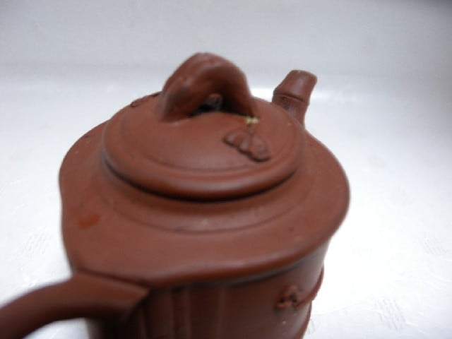 Clean Yixing teapot 004.jpg