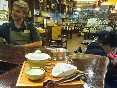 Erik serving Oolong at Bird Pick.jpg