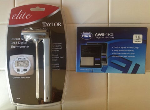 AWS-1KG-Digital-Scale-&-Taylor-Digital-thermometer.jpg
